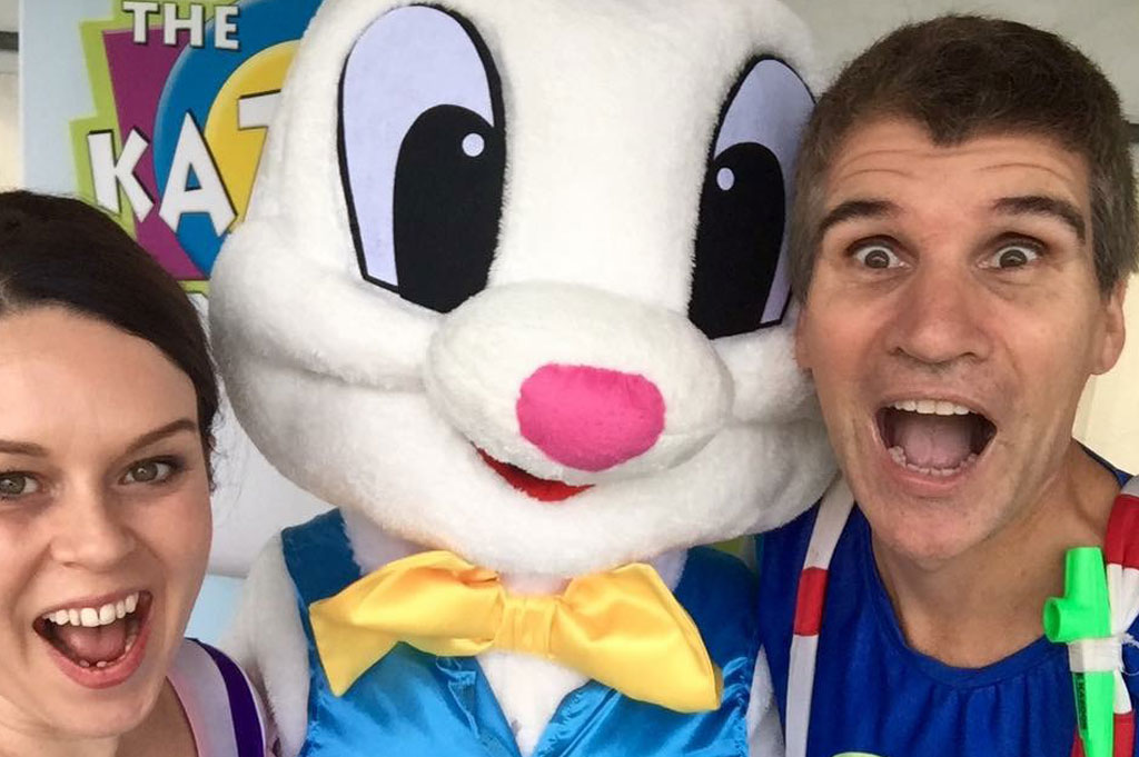 image of easter bunny and The Kazoos doing a selfie